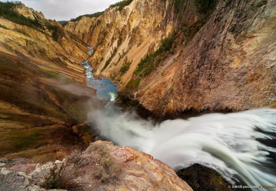 Yellowstone Lower Falls, Wyoming USA